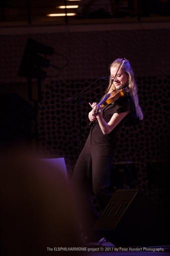 @Elbphilharmonie Hamburg. by Peter Hundert